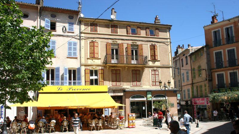 Brignoles, Place Caramy